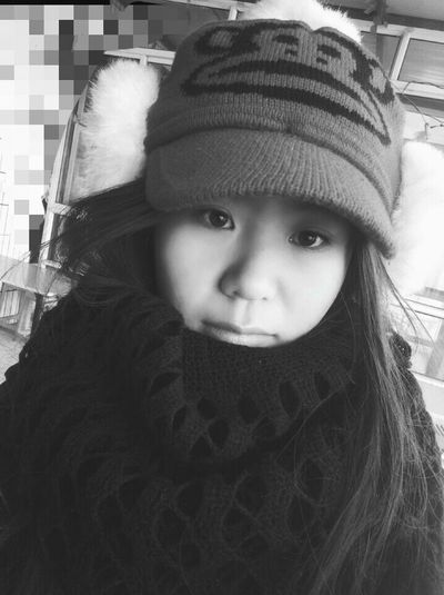 帽子女孩 WWinter Warm Clothing Child Childhood One Person Front View Portrait Winter One Girl Only