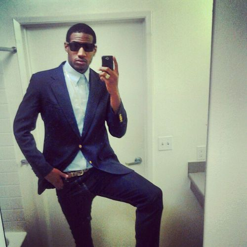 Headed to a business meeting! Blazer Woven Dressshoes Skinneyjeans MosleyTribesShades Grownandsexy Youngrichandflashy