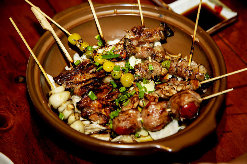 Bacon Bowl Bowling Close-up Composition Food Food And Drink Freshness Healthy Eating Healthy Lifestyle Indoors  Indulgence Meal Meat Organic Plate Preparation  Ready-to-eat Seasoned And Grilled Chicken Skewers Serving Size Skewered Food Still Life Table Temptation Tomato