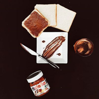 A week of eid already and the eid mood is still on 😁. Late brunch with my favourite bread spread Nutella!. 12:25pm | 23.07.15. Vscocam Vscomalaysia Foodvsco Igersmalaysia Igersmalaya Foodjourney Foodlover Foodgasm Foodfreak Flatlay Flatlays Flatlaystudio Onthetable Tablesituation Eid Eid2015 Fouryu