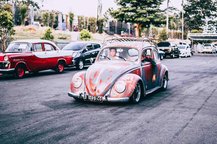 Old VW beetle look awesome 60s 70s 80s ASIA Cars Classic Classic Car INDONESIA Volkswagen Beetle Yogyakarta Beetle Car Carevent City Day Land Vehicle Mode Of Transportation Motor Vehicle Retro Styled Road Street Transportation Vintage Vintage Car Volkswagen First Eyeem Photo