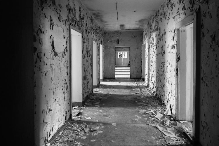 Krampnitz Architecture Abandoned Building Indoors  No People Corridor The Way Forward Arcade Direction Built Structure Damaged Bad Condition Empty History Old Ruined Kaserne Flur Trzoska