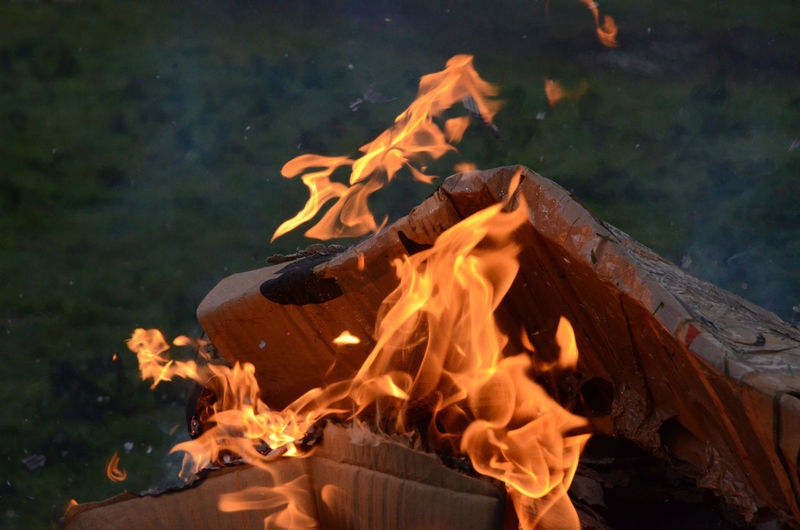 Bonfire Burning Cardboard Close-up Flame Glowing Heat - Temperature Outdoors