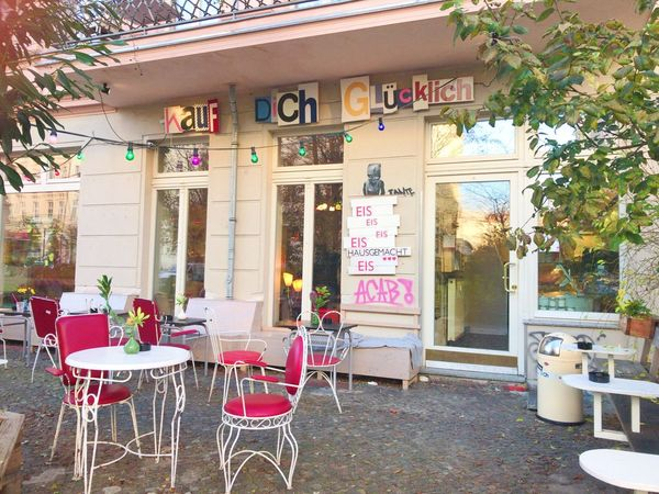 Cute cafe☕️ Cafe Restaurant Sidewalk Cafe Outdoors Day Berlin EyeEm Gallery Germany Deutschland