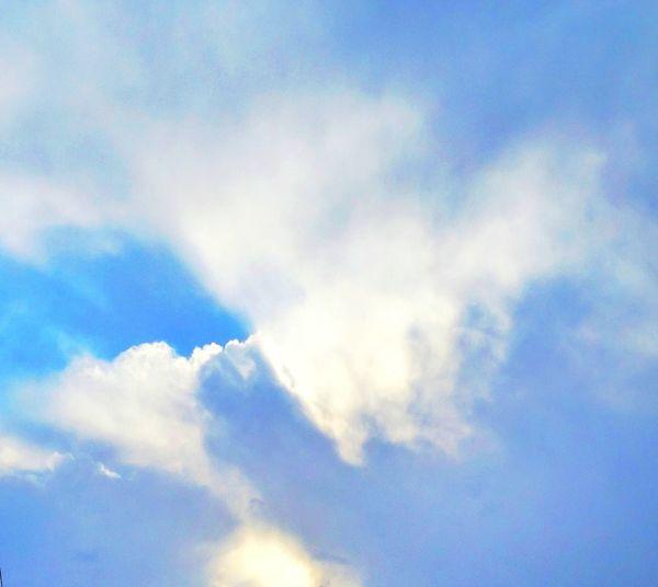 گاهی_به_آسمان_نگاه_کن آسمان  آرام Mashhad | مشهد Photo By Me Eyemphotography Photography EyeEm Samsung GalaxyS5 Friends Beautiful Sky آبی زیبا Clouds Blue Sky تنهایی Winter Iran Nice Day Follow Android