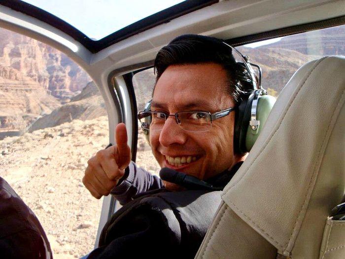 Man in Colorado Canyon Enjoying Life Cañon Del Colorado Vegas  Viaje En Helicoptero Sonrisa Lentes Ok Copiloto Piloto Copilot Pilot Man Smiling Hombre Smile Helicopter Helicopter Ride One Person Transportation Portrait Headshot Men Vehicle Interior