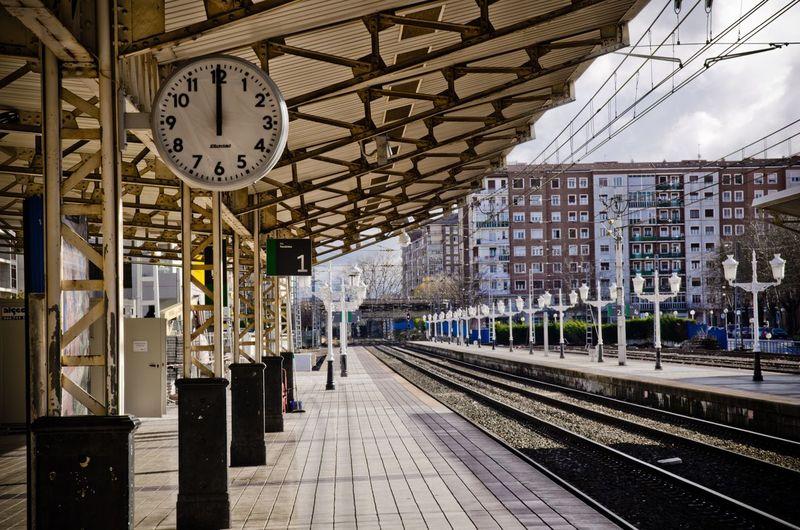 Clock Rail
