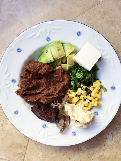 Healthy lunch is ready: avocado, teff, parsley, corn, hummus, cheese and olive paste Breakfast Cooking Eating Food And Drink Lunch Vegetarian Food Avocado Cheese Cooked Teff Corn Eat Food Food And Drink Healthy Healthy Eating Healthy Lifestyle Home Food Hummus Olive Paste Parsley Plate Ready-to-eat Serving Size Teff Vegeterian