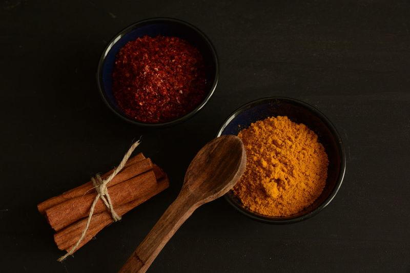 Dark Wooden Spoon Napkins Spices Woodenspoon Napkin Thyme Red Peppers Colchicum Crocus Saffron Cinnamonrolls Cinnamon Darkfood Kitchen
