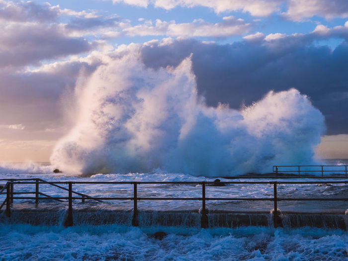 A powerful wave