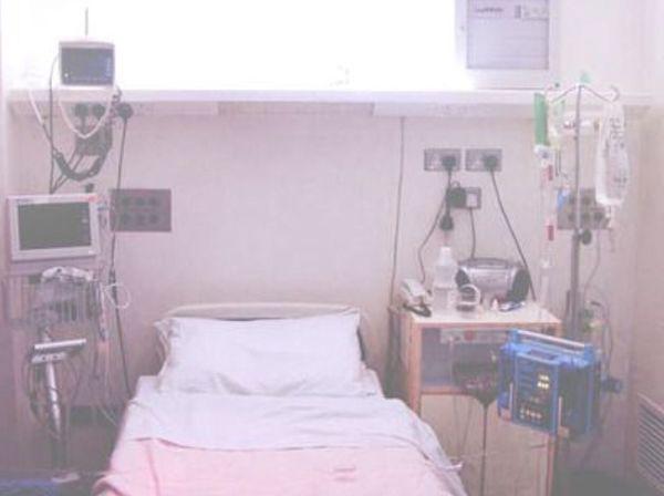 Hospital 💋 No People Hospital Bed Lonely Doctors Nurses Death