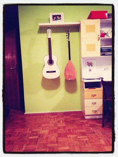 Gitarre Und Saz Also Türkische Gitarre