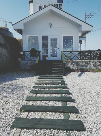 Built Structure Building Exterior Architecture House Steps Sunlight Shadow Residential Structure Residential Building Clear Sky Sky Entrance Railing The Way Forward Day Outdoors Blue Footpath Narrow No People Check This Out Taking Photos Tranquil Scene