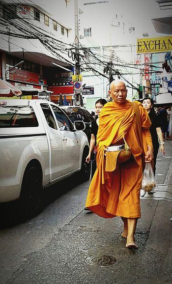 Monk, Hello Worldwide. Mobilephotography Thailand_allshots_nature
