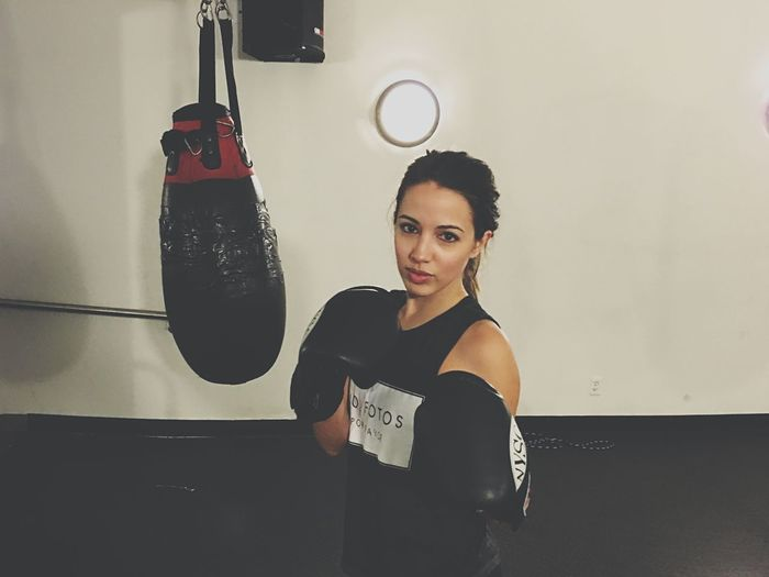 She's a knock out 😵 Women In Business Women In Tech Women Who Inspire You WomeninBusiness Knock Out Boxing Teamwork Nysc New York Fitness NYC Photography Urbanphotography Lifestyle Style Mentor Keepitreal Newyork Badass