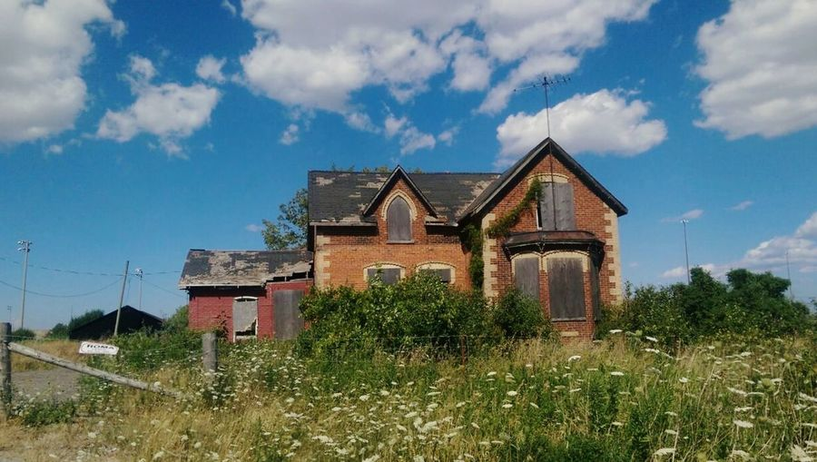 Lost and forgotten Rurexeploration House Architecture Cloud - Sky No People Abandoned Places Decayed Beauty