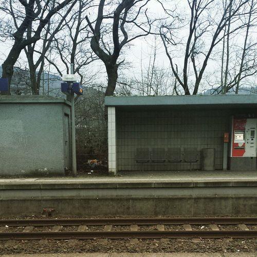 Hagen Westerbauer. Immer eine Reise wert. ^_^ Bahnhof Sbahn