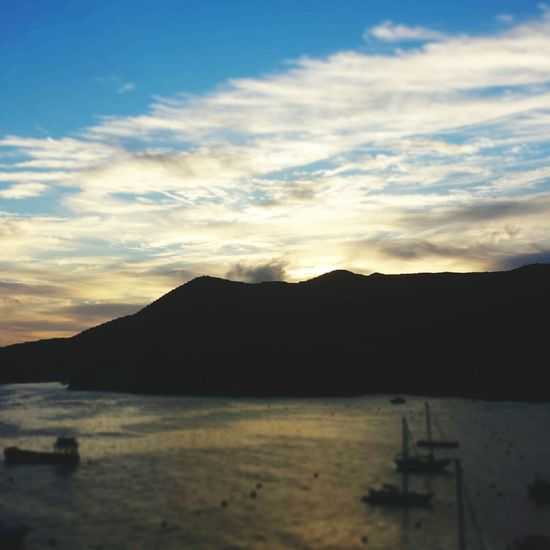 Morning Sky Sunrise And Clouds Mountains And Sky Boats Catalina Island  Catalina Mountains  Ocean First Eyeem Photo The Great Outdoors - 2016 EyeEm Awards