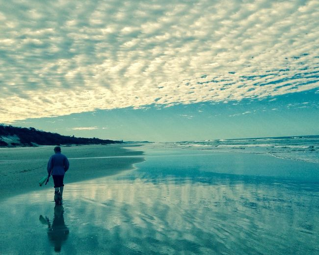 Just strolling along. IPS2016Composition beach sky lonely lucky there'sadogsomewhere
