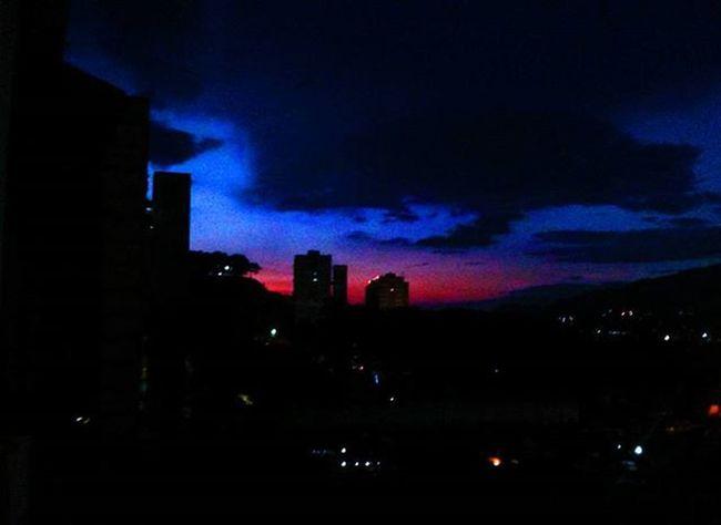 Púrpura🌇 --------------------------- Vscocam Vscogood Igaddict Ig_caracas_ Sky Landscape Sunset Atardecer Igers Igersoftheday Picoftheday Shot Photooftheday Vscocamvenezuela Ig_caracas Caracas Caracastridi Huntgram HuntgramVenezuela Atardecervenezolano