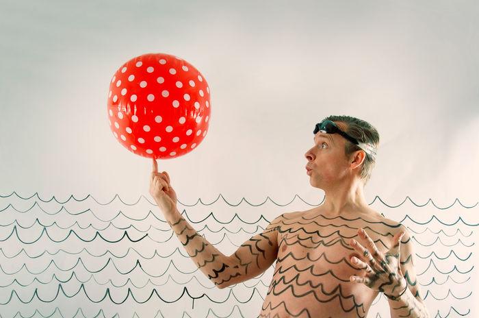 Ballance Bodypainting Meer Schwimmbad Baden Ball Planschen Schwimmen See Spielen Wasser Water