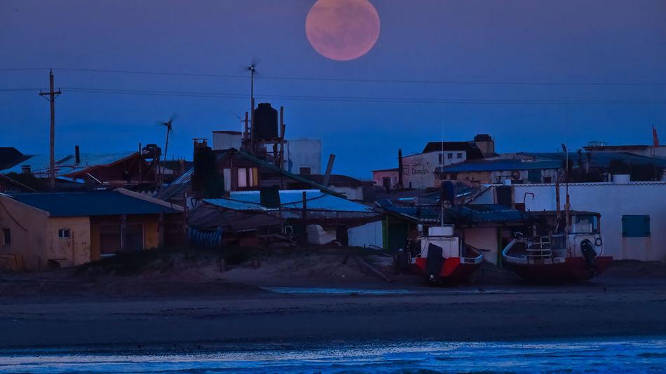 La luna del faro Moon Full Moon Night Sea Water Moonlight Sky Blue Outdoors Nature Moonset Cabo Polonio Cabo Polonio Uruguay Uruguay Uruguaynatural Pedivida Amanecer No People Cicloturismo Ciclotour EyeEmNewHere