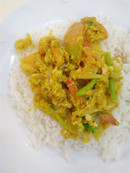 Shrimp fried with curry Food Cuisine Shrimps Curry Rice Yummy Delicious ♡ Delicious Seafoods Fried