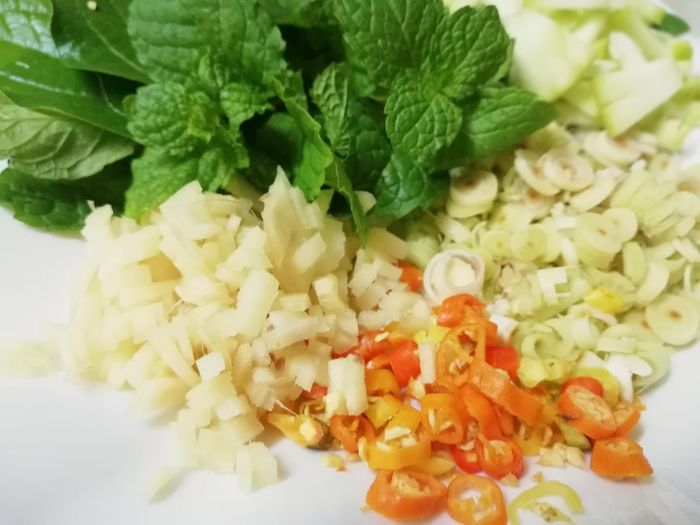 Vegetables SLICE Cutting Leaf Vegetable Close-up Food And Drink Mint Leaf - Culinary Seasoning Herb