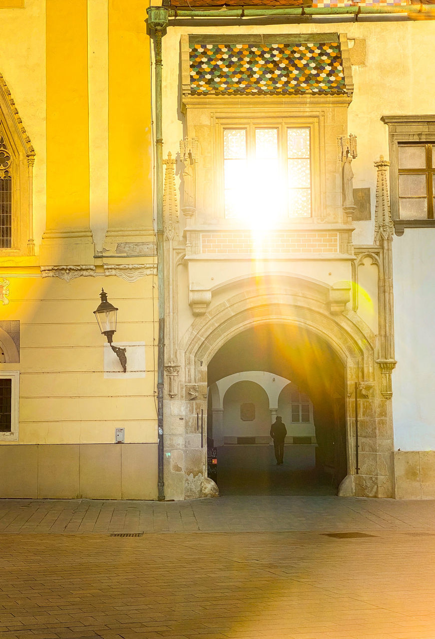ARCHWAY OF HISTORIC BUILDING