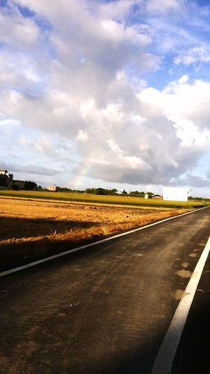 米蟲日記 倒數w22 只要堅持就會發生好事 颱風天前風好大 不是跑步的心情 堅持 運動習慣 途中 彩虹 當個智慧又綺麗的瘦子吧 #人生最後一次機會