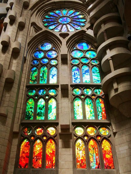 Colorful Window Window View Blue Red Green Check This Out Buildingphotography Beautifulbuilding Oldbuilding Architecturephotography SagradadeFamilia Sagradafamiliachurch Sagradafamiliabarcelona Sagradafamilia Gaudi Barcelona Mosaic Mosaic Glass Eyeemcollection Color Palette Amazingview Beautifulview Mosaicart Artphotography