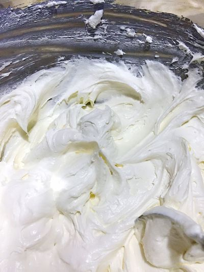 Cool whip and cream cheese blended together - fluffy cheesecake filling - no bake cheesecake Dessert Recipe Kitchen Preparing Food Cheesecake Time Cream Cheese Cream Cheese Frosting Cool Whip Cheese Cake Fluffy Delicious ♡ Cheesecake♥ Cheesecakes White Color White