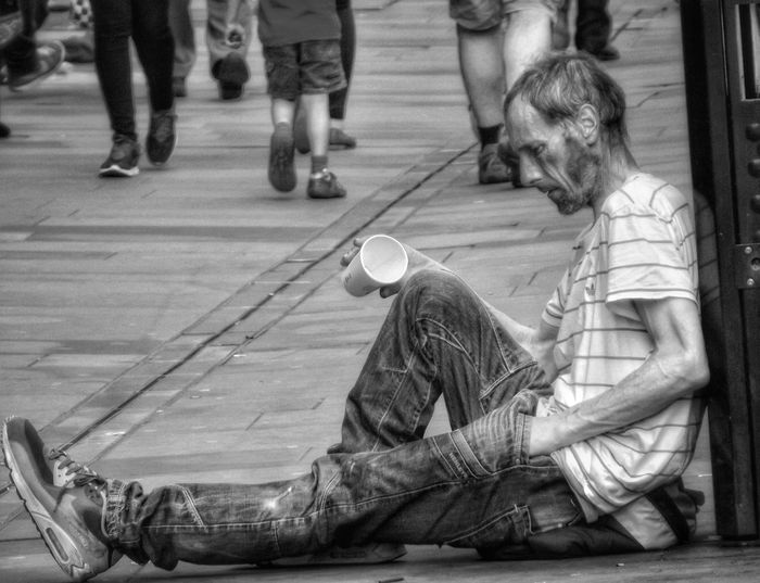 Sometimes we forget or just ignore that some people are in a worse position than we are Homeless Of Manchester Uk People Of Manchester Unfortunate People Homeless People Homeless EyeEm Masterclass Showcase July 2016 Malephotographerofthemonth Fujifilm EyeEm Best Shots - HDR Fine Art Photography Hdr_captures Close Up Photography Close-up Documentary Photography Manchester Black And White Black And White Collection  Documentary Reportage Photography Still Life Bnw_captures Black&white People On The Street Street Photography Street Life