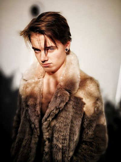 EyeEm Selects Fashion Beautiful People Fur Elégance Beauty Young Adult Fur Coat One Person Glamour Warm Clothing People Human Body Part Luxury The Week On EyeEm Editor's Picks Fresh On Market 2017 The Portraitist - 2018 EyeEm Awards