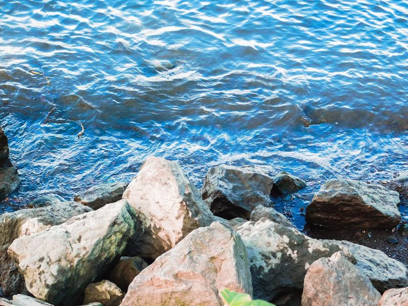 Water calms the mind and soul Shapes In Nature  Nature Lover Water Hudson River Nature Photography EyeEm Nature Lover Beauty Of Nature Calming Place Autumn Water Water Nature Day Rock Full Frame High Angle View Solid Beauty In Nature Sunlight Rock - Object Outdoors Rippled Pattern