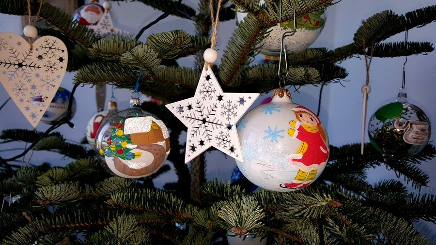 🎁🎄 Special Magic Family Christmas Tree Decoration Painted Paint Decorated Tree Celebration Hanging Christmas Tree Outdoors No People Close-up Christmas Christmas Ornament Day