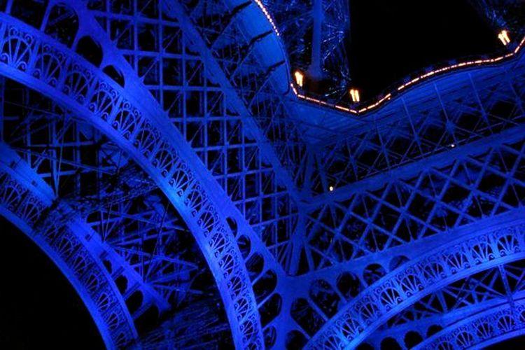 Paris Eiffel Tower European Colors Cobalt Blue By Motorola Neighborhood Map Colour Your Horizn