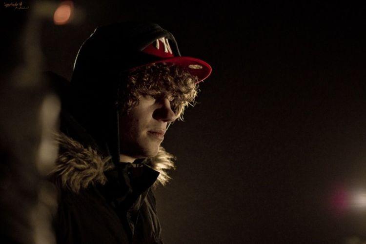 jean tourne disque Clip Supermonkeyfly Portrait Shooting Photos #timä_music #timä @tima_music @Timä