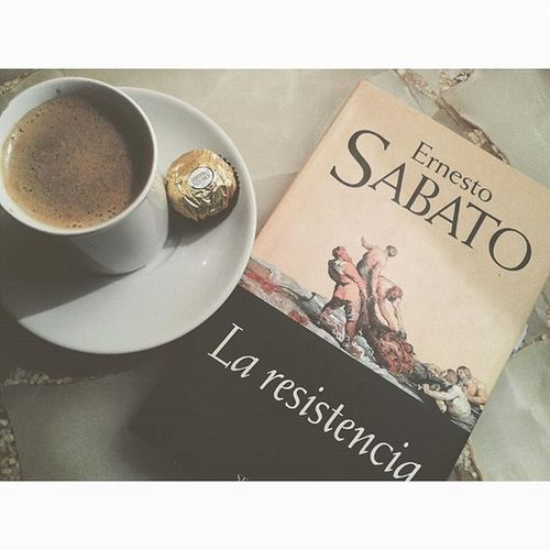Chocolate, coffee, new book..!! Completisimo Awasome Night Inmytownagain Goodmusic Bethel Youmakemebrave Instamoment VSCO