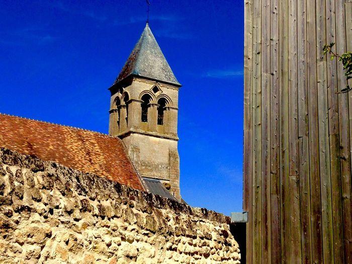 Eglise du 12ème, village de Chelles (60) France Picardie Oise  Chelles Village Ciel Bleu Architecture Bâtiment  Catgolique