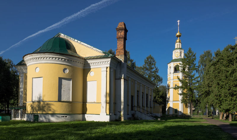 Russia, Uglich, Kremlin, Kremlin views Architecture Blue Building Exterior Built Structure Day Exterior Façade Grass Green Color Lawn Low Angle View No People Outdoors Russia, Uglich, Kremlin, Kremlin Views Sky Tree