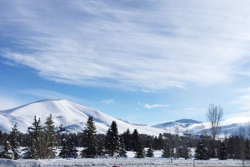 Sun valley Snow ❄ Snowmountain Photography Art Season  Winter White Freshness Frozen Nofilter Beauty In Nature Sunlight America Sunvalley Skiing Amazing View Simple Beauty