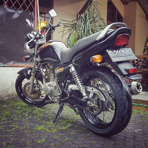 Siap ngider lagi euy.. Bike Motorcycle Suzuki Gs250 T250 Thunder250
