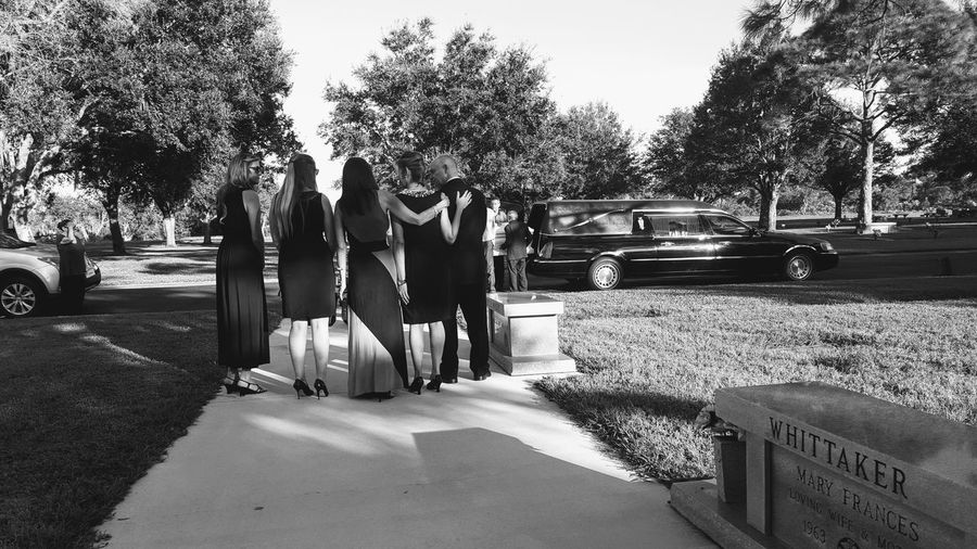 Long Goodbye Goodbye People Funeral Ceremony Funeral Welcome To Black Saying Goodbye Outdoors Standing Real People Black And White Day The Street Photographer - 2017 EyeEm Awards The Photojournalist - 2017 EyeEm Awards