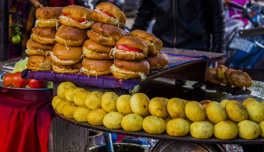 Indian street food - Burger and Aalu tikki Aalu Tikki Aalu Tikki Chaat Bread Burger Chandigarh Chandigarh Sector 19 Market Chinese Burger City Food Food And Drink Freshness Indian Street Food Market Market Stall Outdoors Sector 19 Market Chandigarh Street Bur Street Food