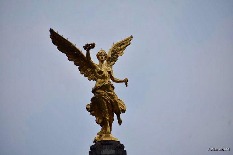 Angel De La