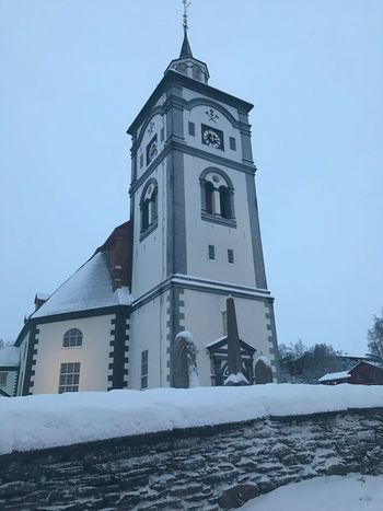 A visit to Röros Norway Norway🇳🇴 Røros Winter Snow Cold Temperature Architecture Religion Spirituality An Eye For Travel No People Built Structure Place Of Worship Low Angle View Frozen Outdoors