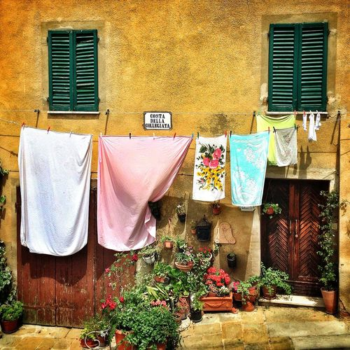 No more dirty laundry. Italy Tuscany IPhone Photography Toscana IPhoneography Lucignano BuildingPorn Streetphotography Streetphoto_color IPSBuildings