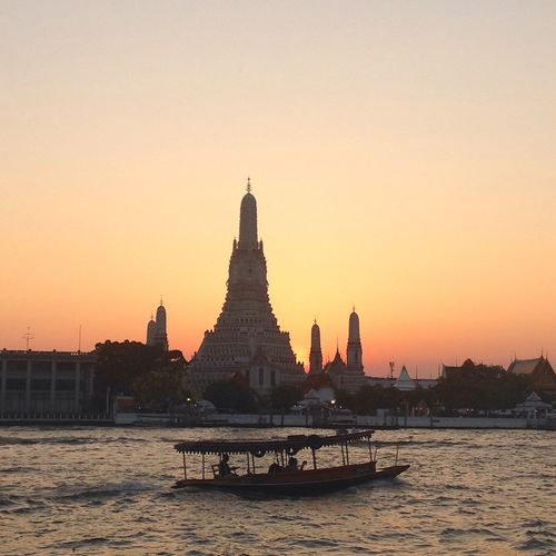 Sunset Sunsettoday Watarunbangkok River Architecture Religion Built Structure Building Exterior Clear Sky Spirituality Nature Water Beauty In Nature Sky