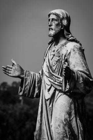 Statue Black & White Graveyard Beauty Cemetery Photography Nikon D5100  Jesus Religious Art